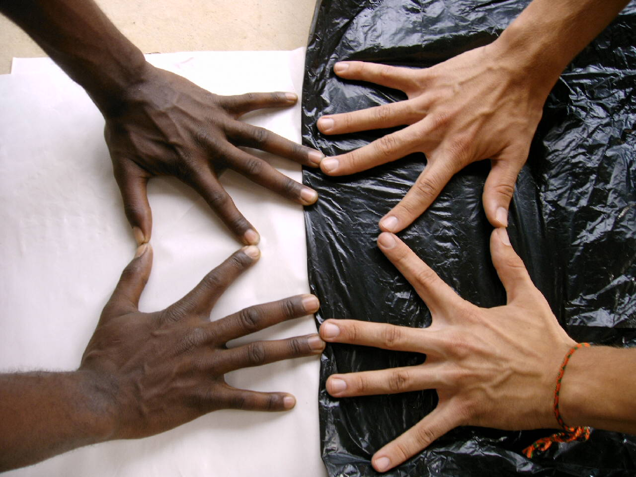 black_and_white_hands