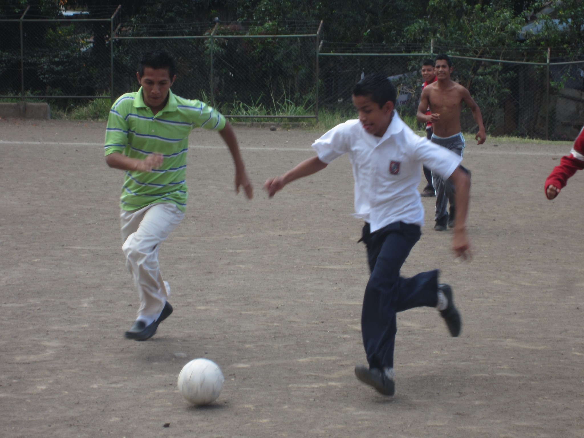 nicmatjg11yannicbehovitslashormiguitas201203fussball