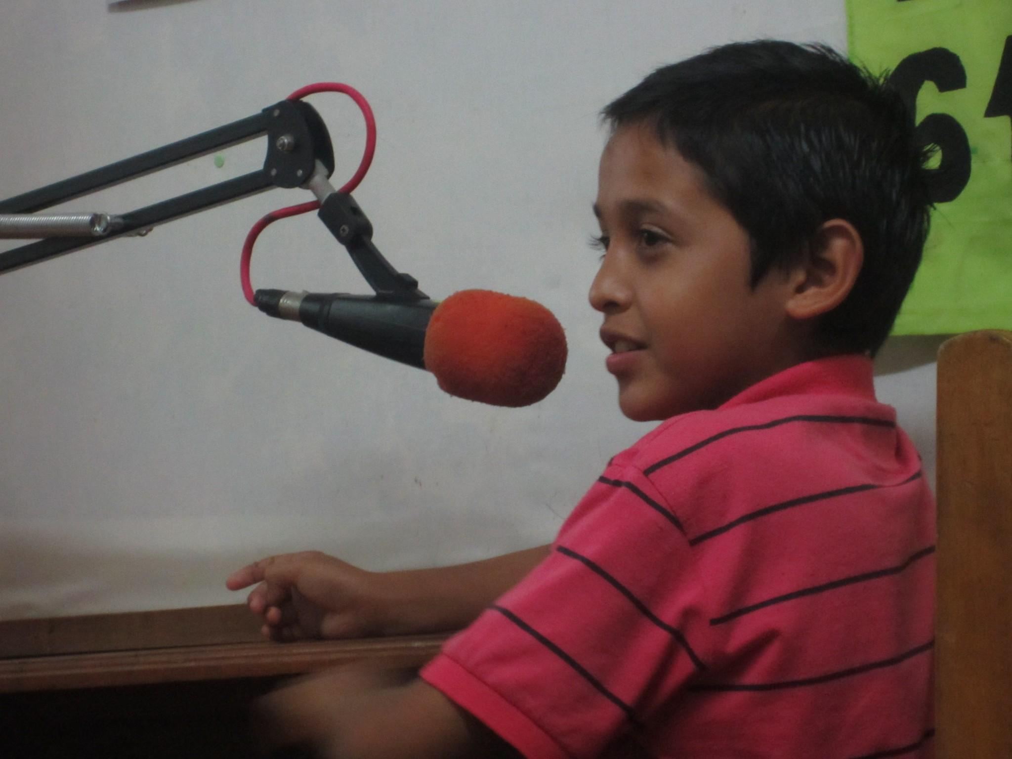 nic_mat_lashormiguitas_brian_beim_radio_2011